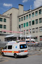 hôpital ( archives Lo Gnalèi - photo : Bruno Domaine )